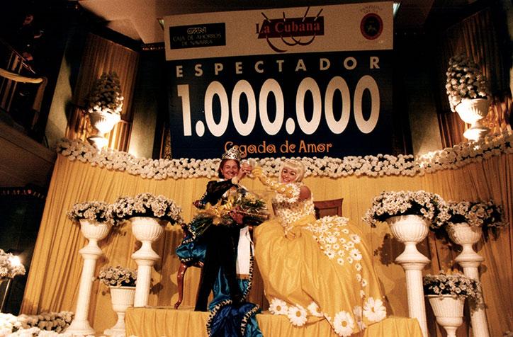 2.8.5.18-Espectador-1.000.000-Pamplona_LQ